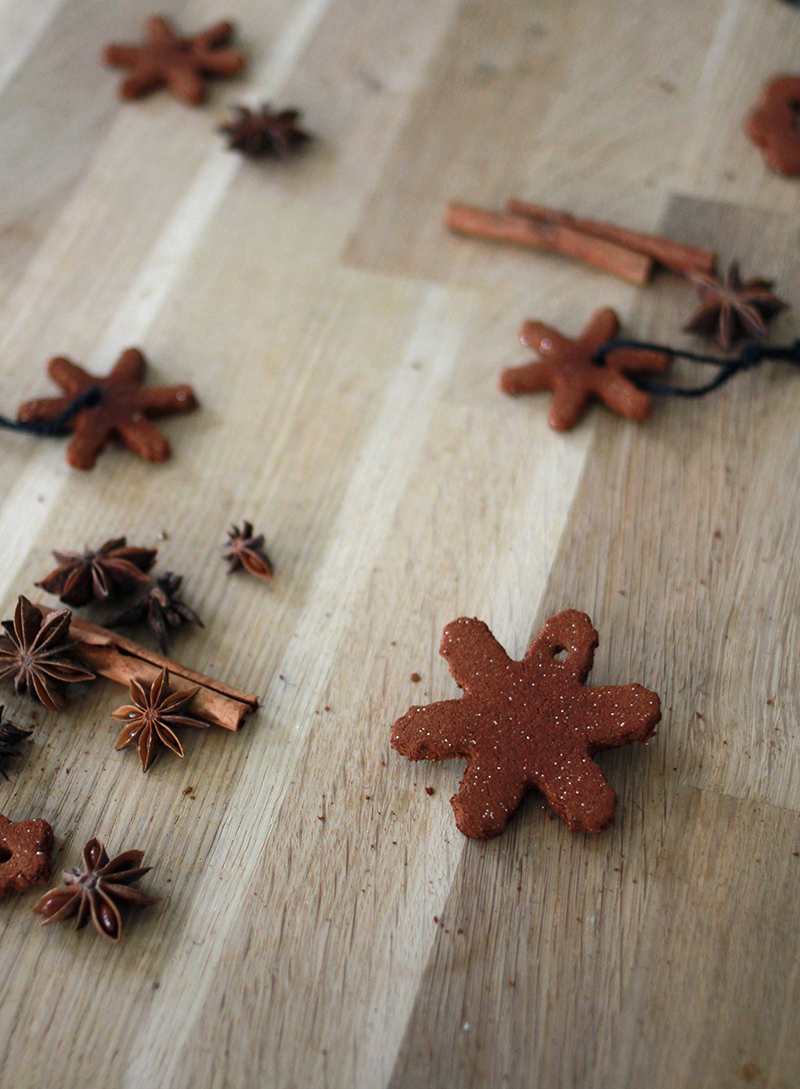 MAKE / cinnamon ornaments