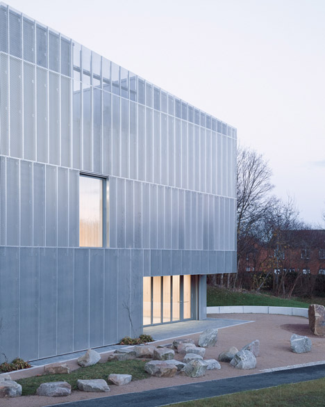 Perforated metal facades archives minimal blogs for The foundry architecture 00