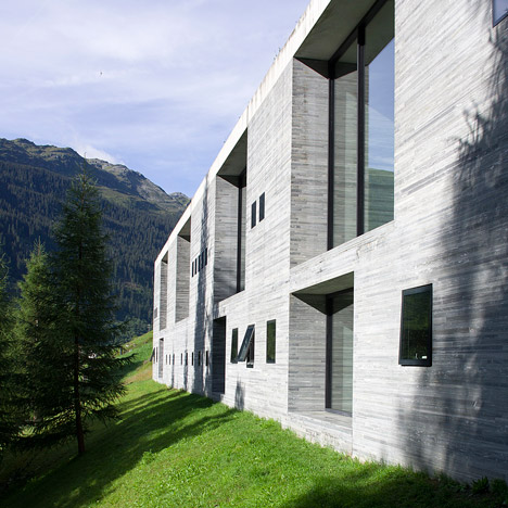 Morphosis chosen for hotel beside peter zumthor 39 s therme for Therme vals vals svizzera
