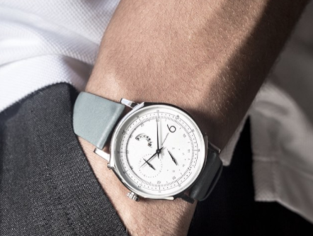 Squarestreet Designs and Develops Elegant Contemporary Timepieces