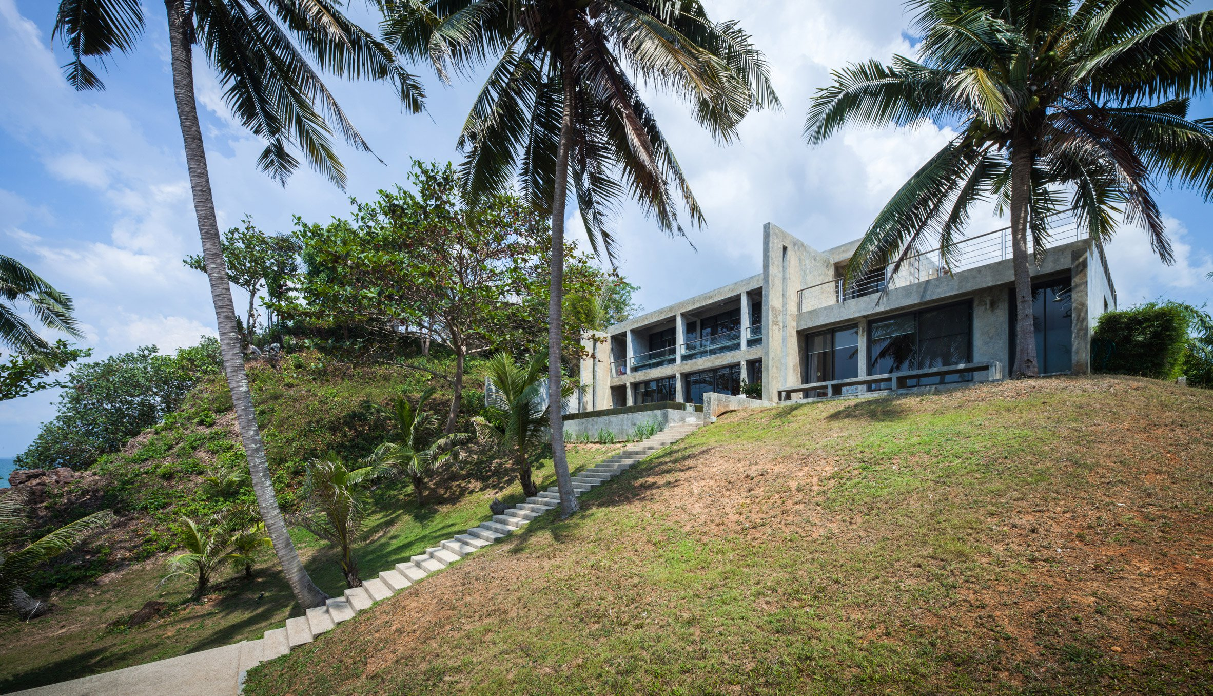 Jun Sekino completes Bauhaus-inspired beach house in eastern Thailand