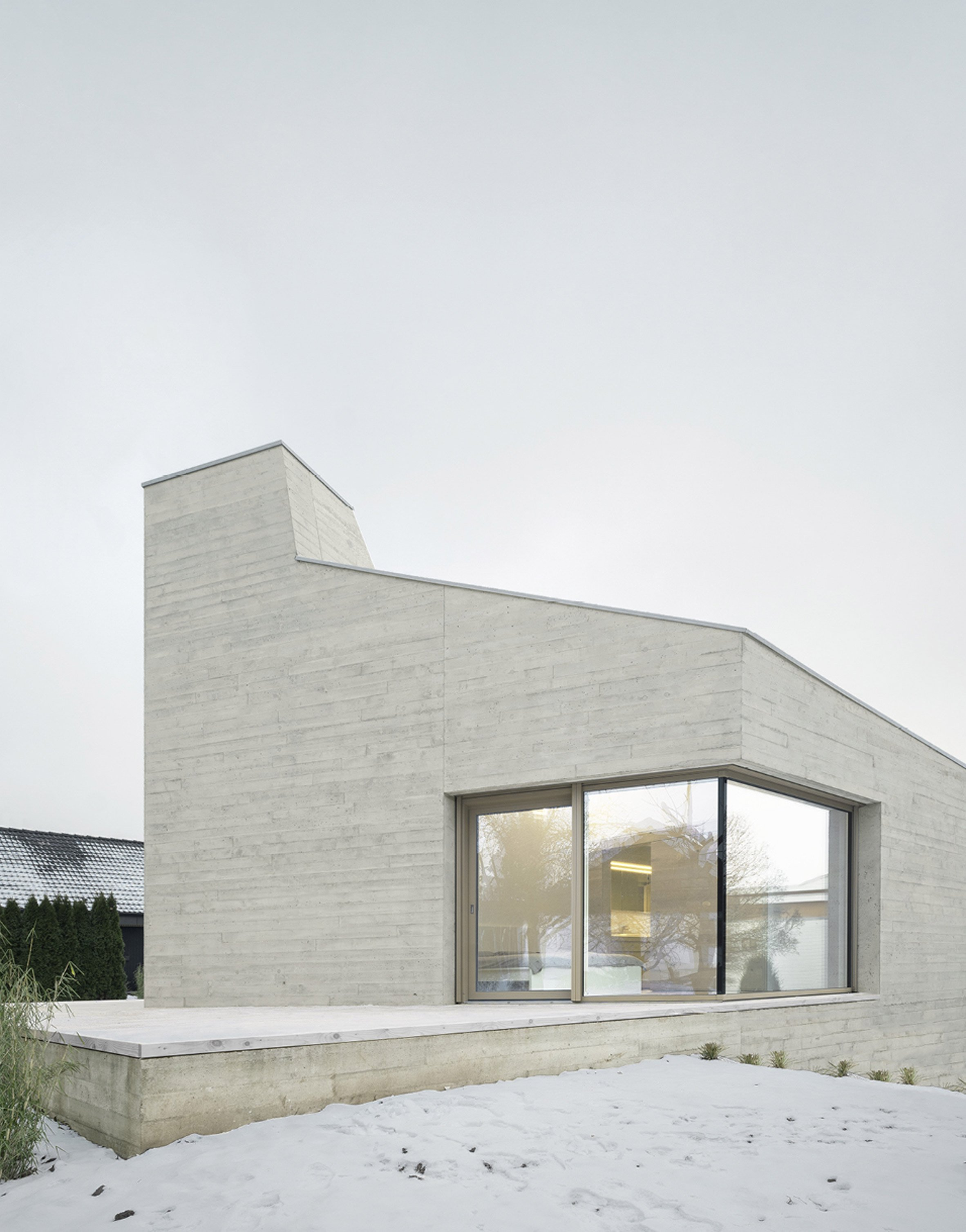 steimle architekten completes crystal like concrete house in germany minimal blogs. Black Bedroom Furniture Sets. Home Design Ideas
