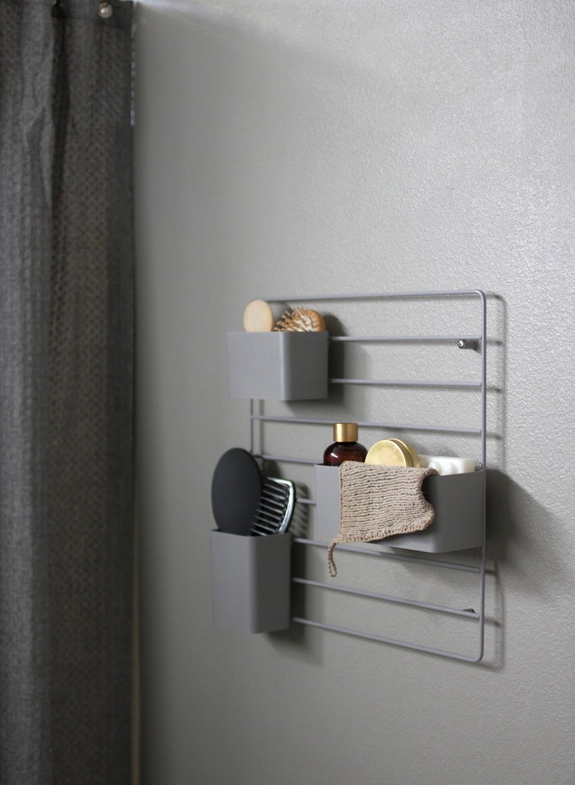 String grid as a bathroom organizer
