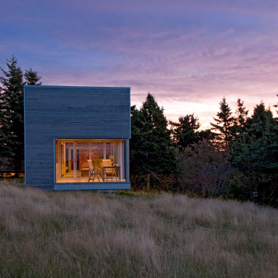 Mackay lyons sweetapple adds timber clad spa to its house for Houses nova scotia