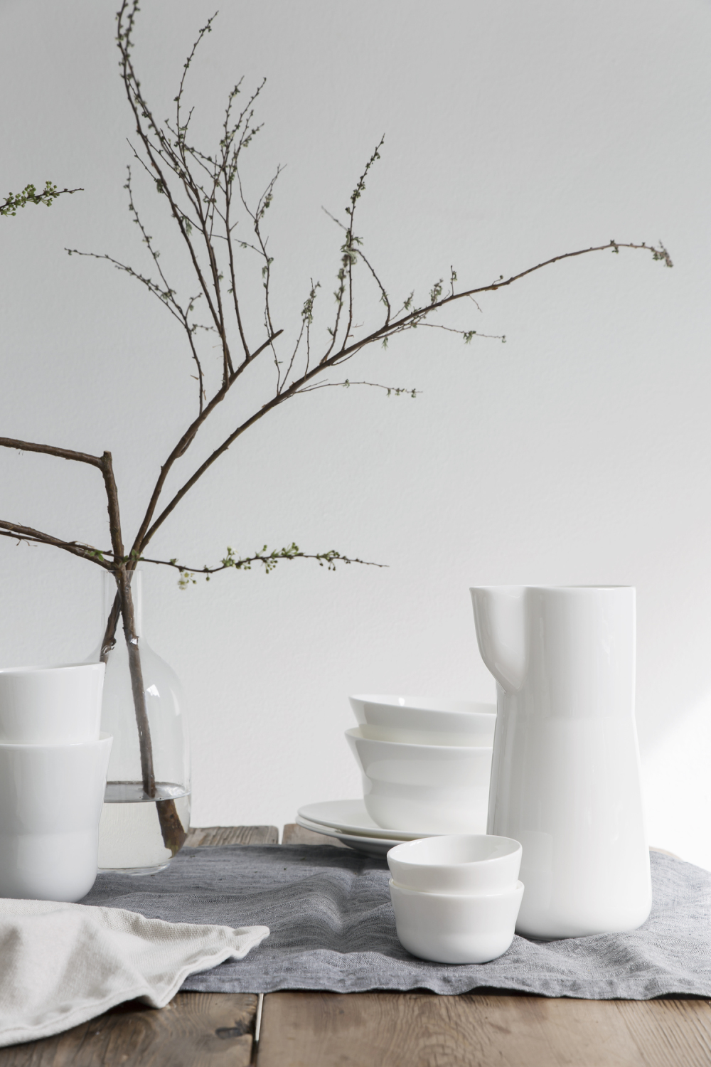 Spring table setting with Kaolin