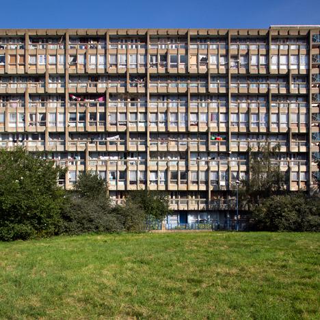 Politician calls for immediate demolition of Robin Hood Gardens after listing bid fails