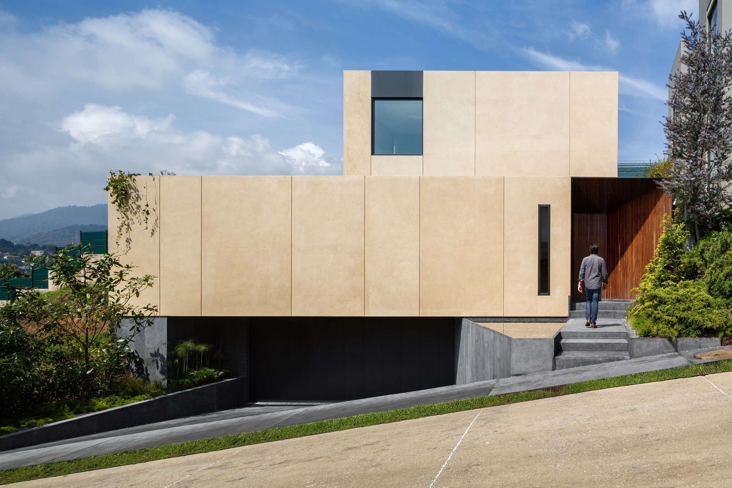 ASP constructs Cumbres House using compressed earth blocks formed on-site