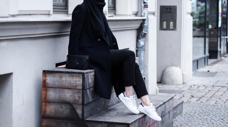 Reverberación aquí más y más  noa-noir-fashion-outfit-minimalist-streetstyle-inspiration-black-blue-adidas -stan-smith-0.png   Minimal Blogs