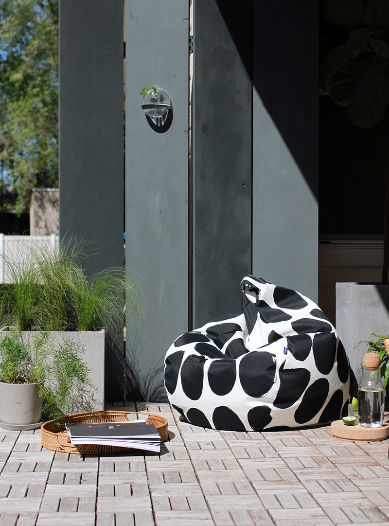 outdoor small space gathering