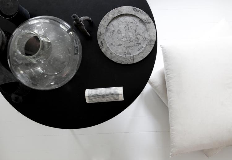 STENHUGGARDOTTERN ____________ stone/ marble plates