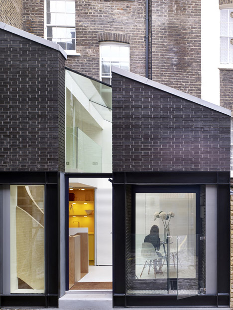 """Norton Ellis extends Georgian basement flat with glass and brick """"outhouses"""""""