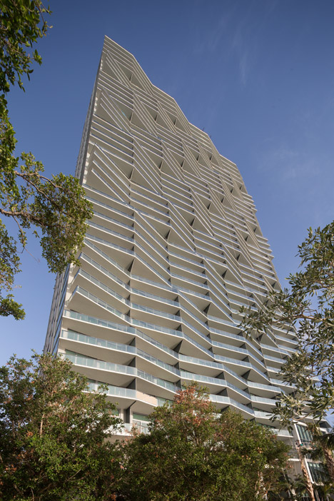 Arquitectonica creates waterfront tower in Miami with a sculptural facade