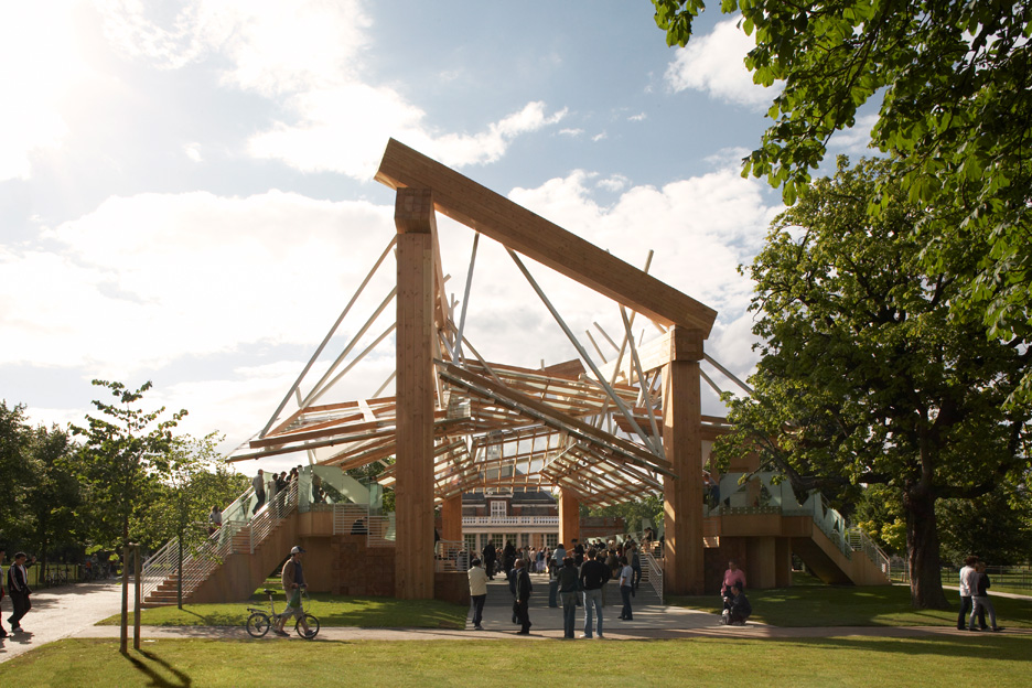 """Frank Gehry's wooden Serpentine Gallery Pavilion in 2008 was """"hugely hefty"""""""