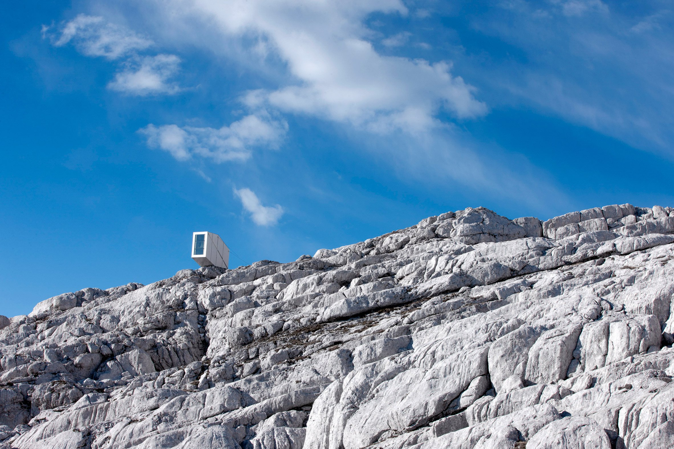 Precarious Alpine shelter by OFIS offers shelter to Slovenian climbers