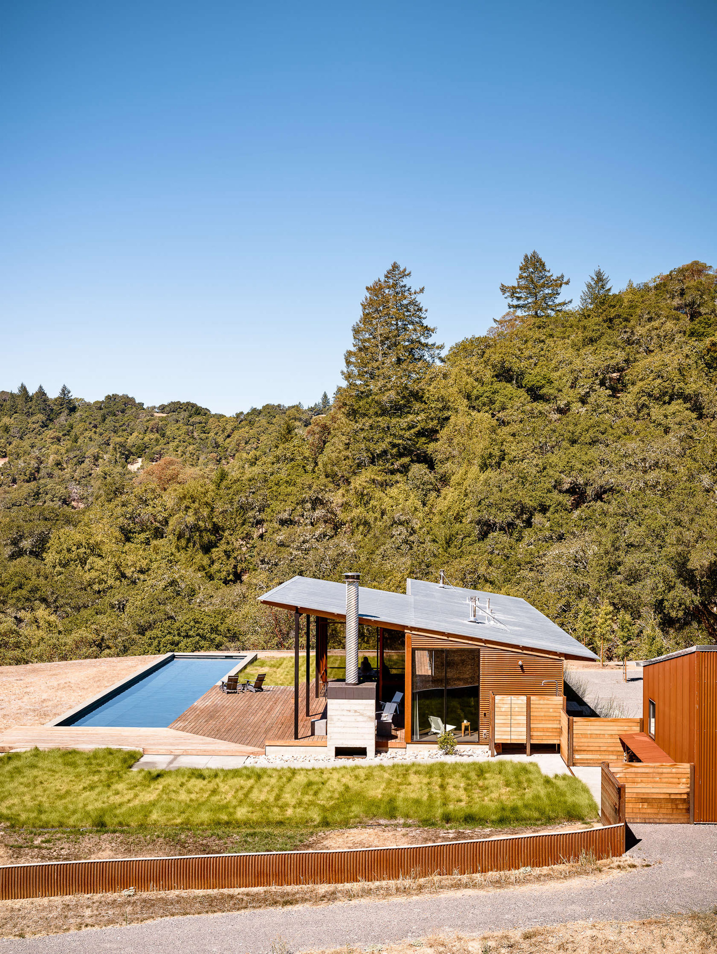 Malcolm Davis creates off-grid retreat in California wine valley
