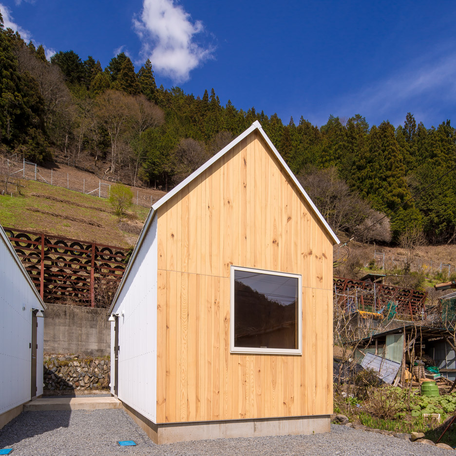 Twin micro homes by S Plus One are both finished in different woods