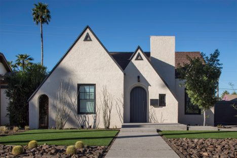 Chen + Suchart extends historic Arizona home with metal-clad gabled addition