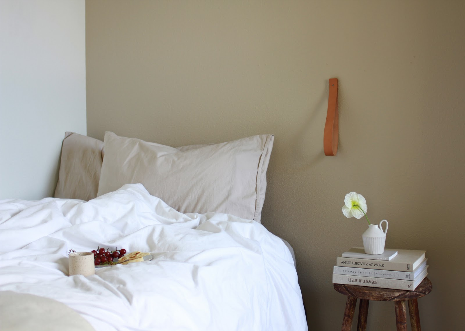 What's really going on with all that white bedding?