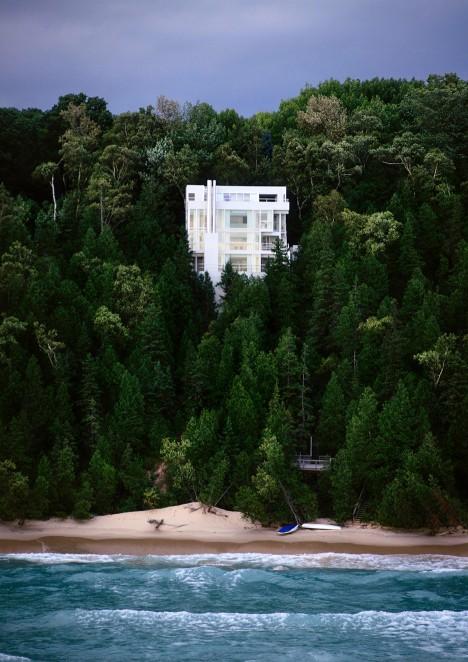 Richard Meier's Douglas House joins America's historic places list