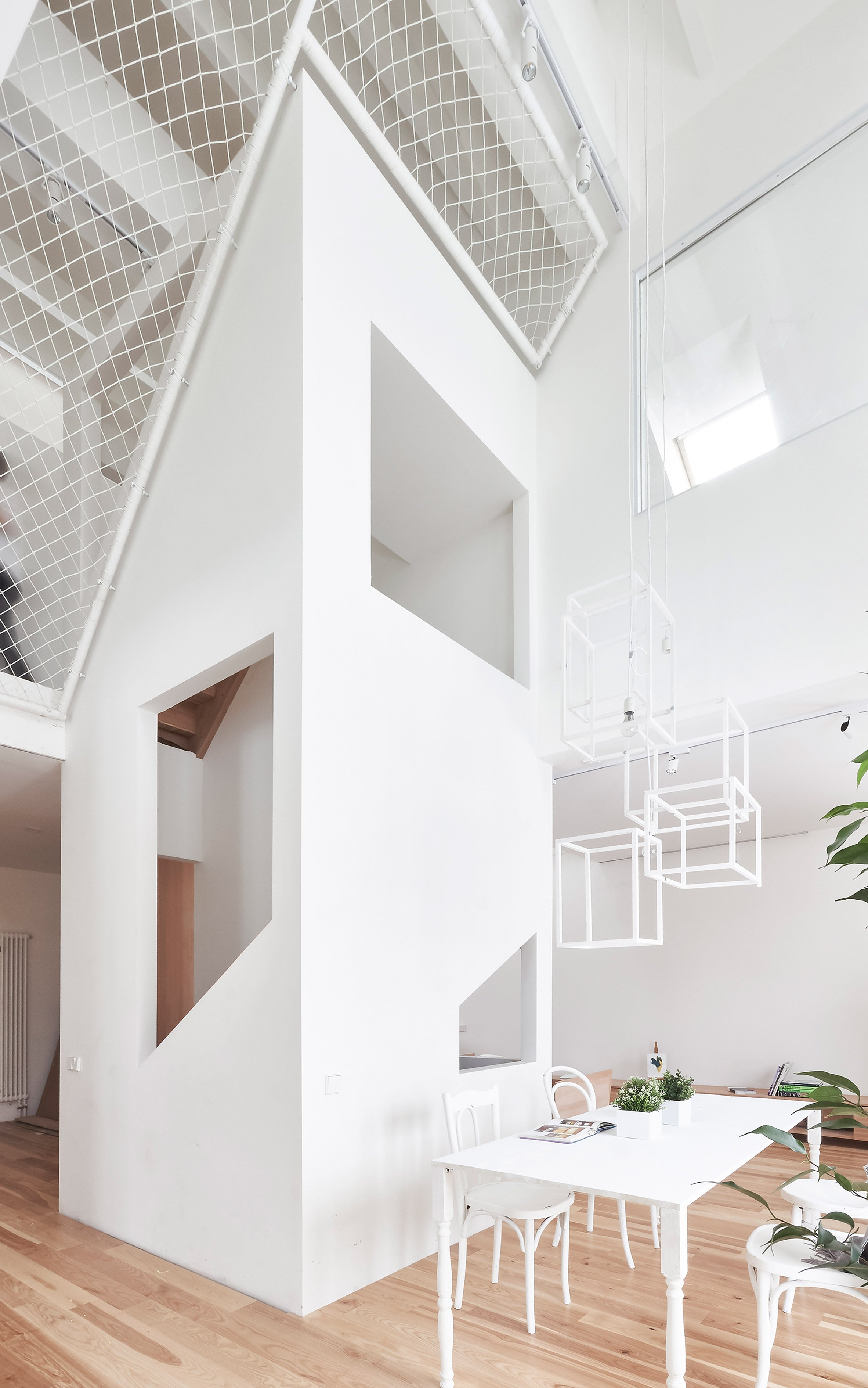 Ruetemple suspends netted areas in suburban Moscow home