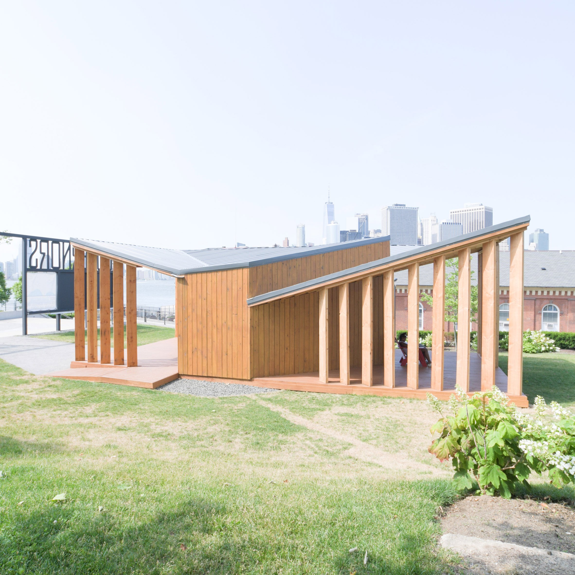 Office III builds simple open-air welcome centre on Governors Island