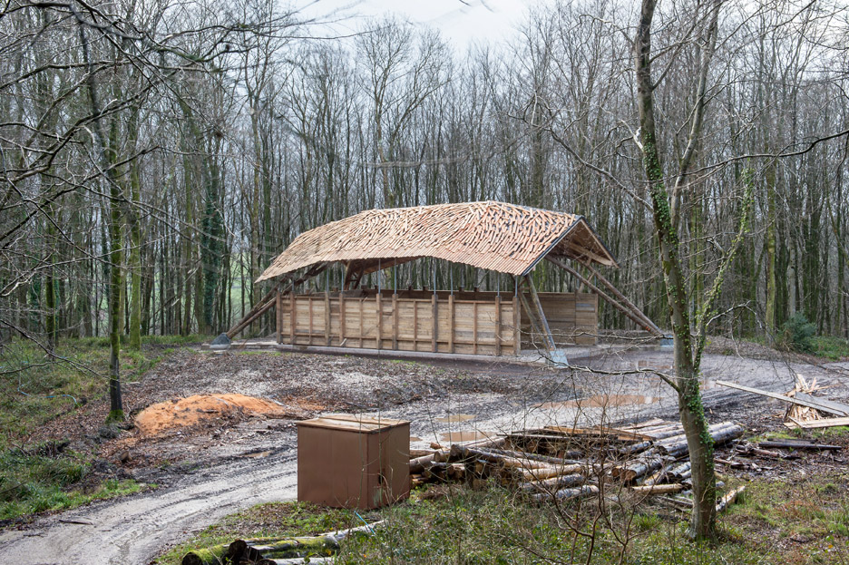 AA Design & Make students use a robotic arm to build a woodland barn