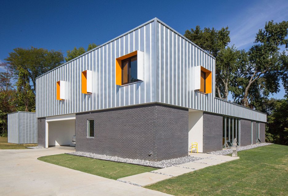 Designshop uses metal and brick to clad rural Tennessee home