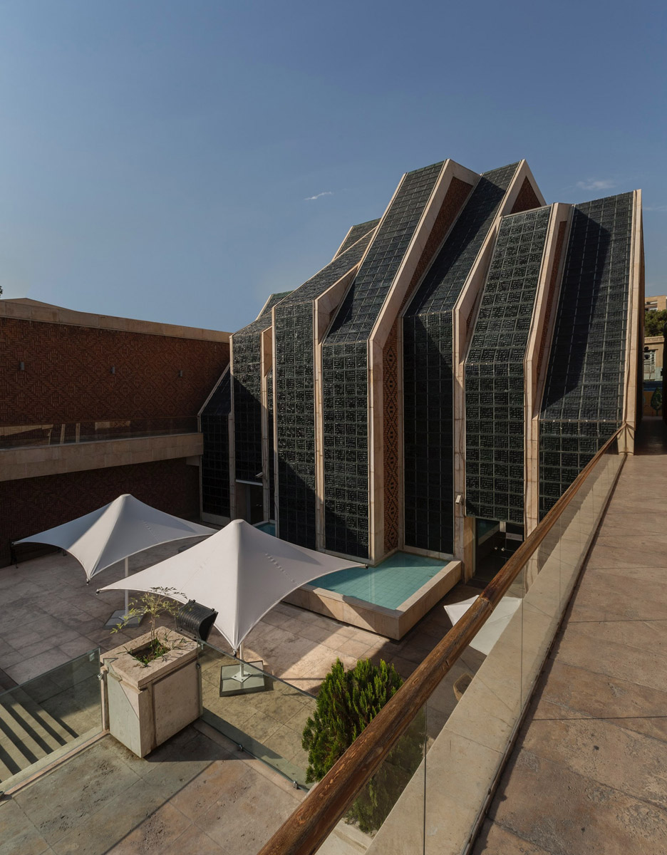 Cultural and religious complex in Iran features roof shaped like interlocking fingers