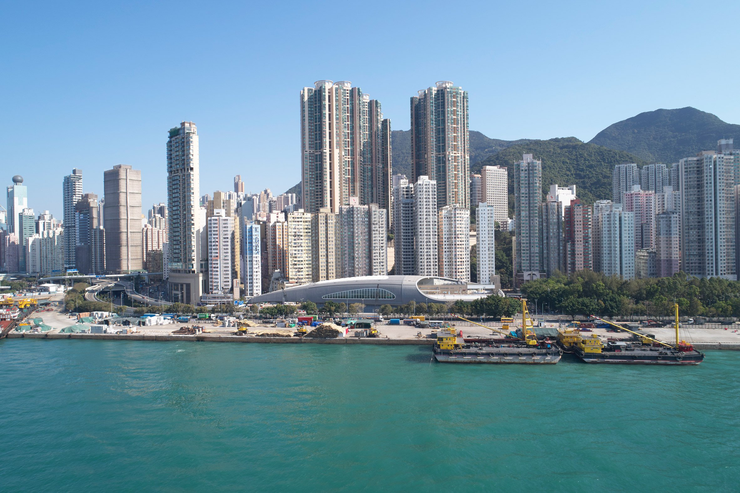 """Farrells completes swimming pool with """"shell-like"""" roof on Hong Kong seafront"""