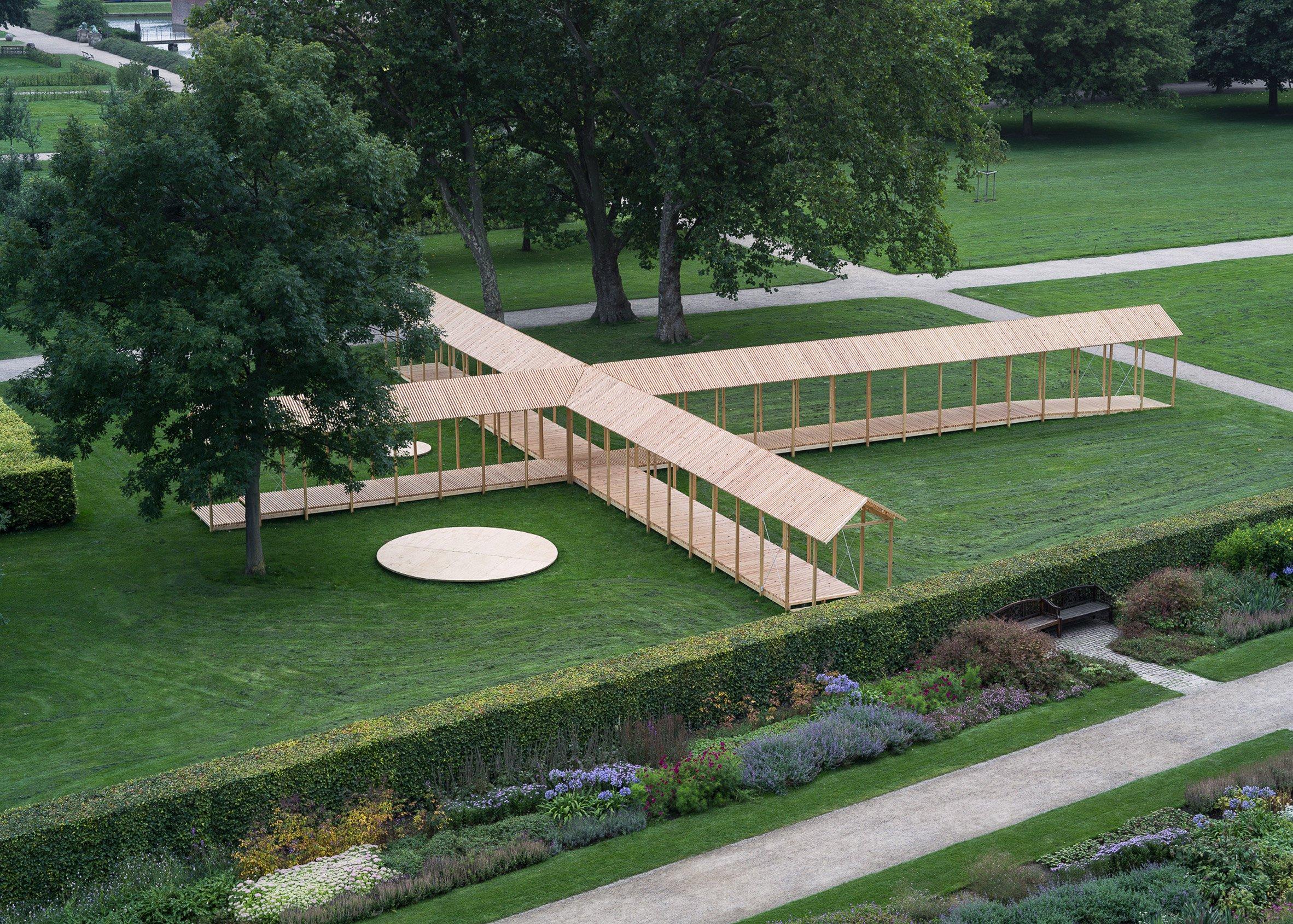 Cruciform pavilion by Krupinski/Krupinska Arkitekter references historic Copenhagen garden