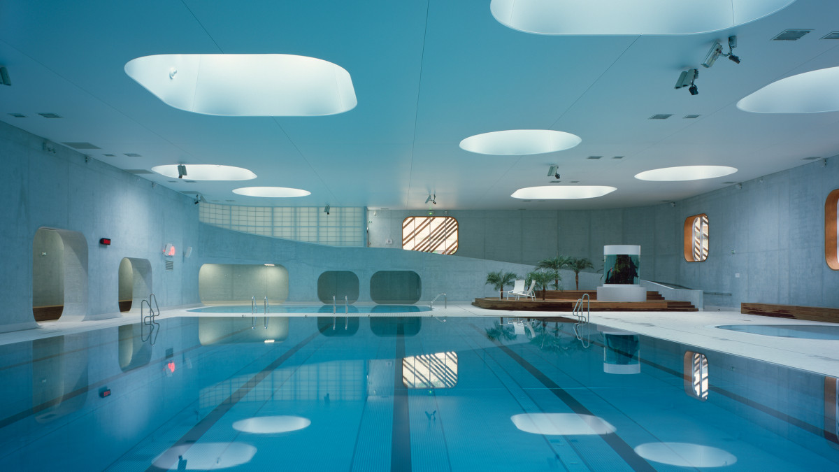 A Parisian Pool Based On Feng Shui Principles