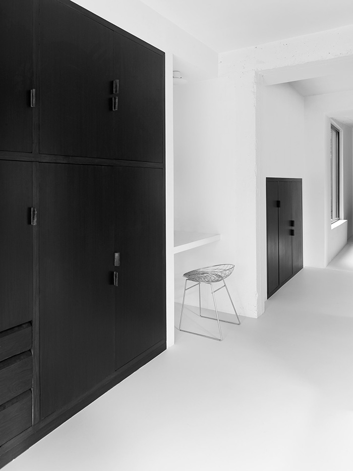 Minimal black and white home