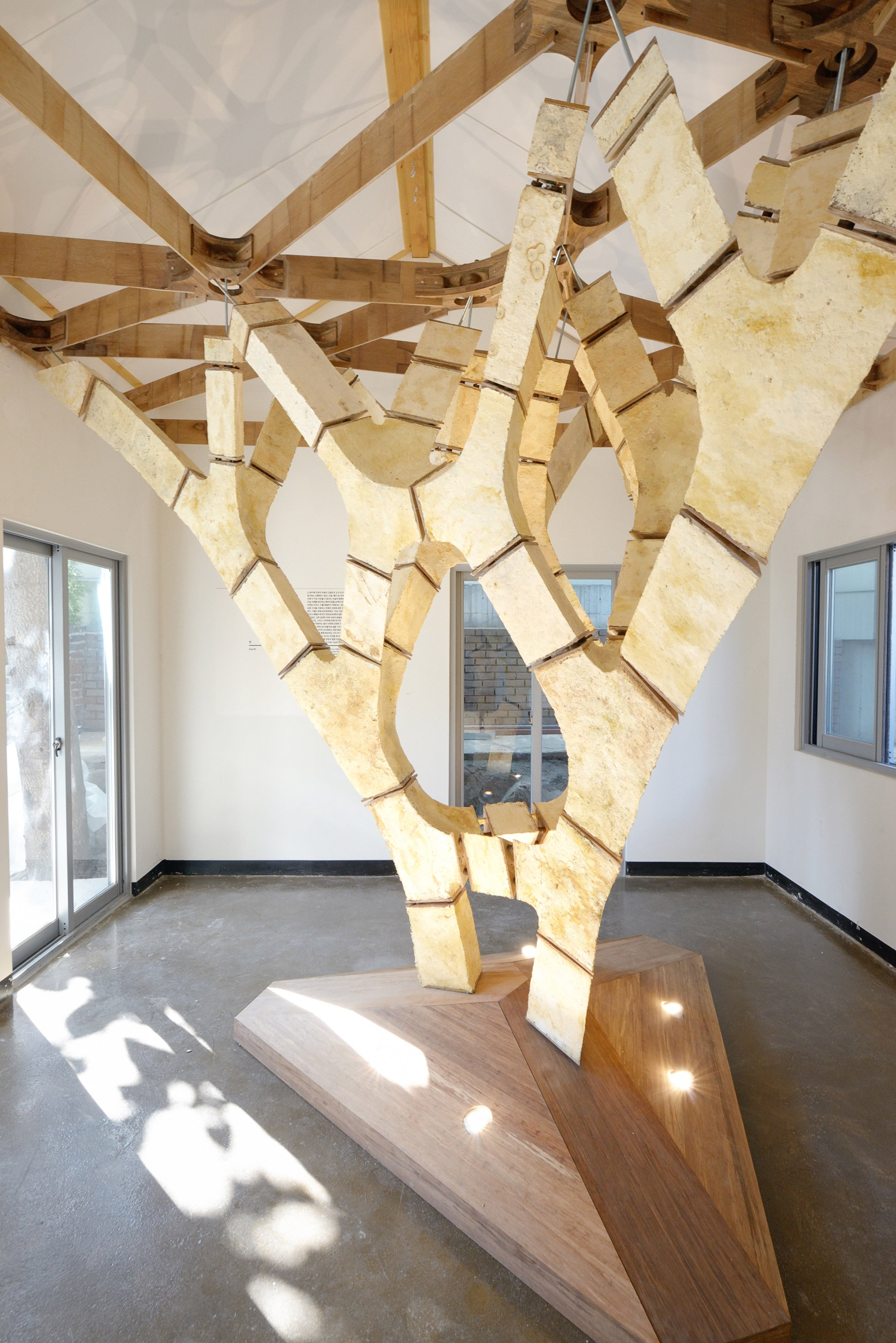 Tree-shaped structure shows how mushroom roots could be used to create buildings