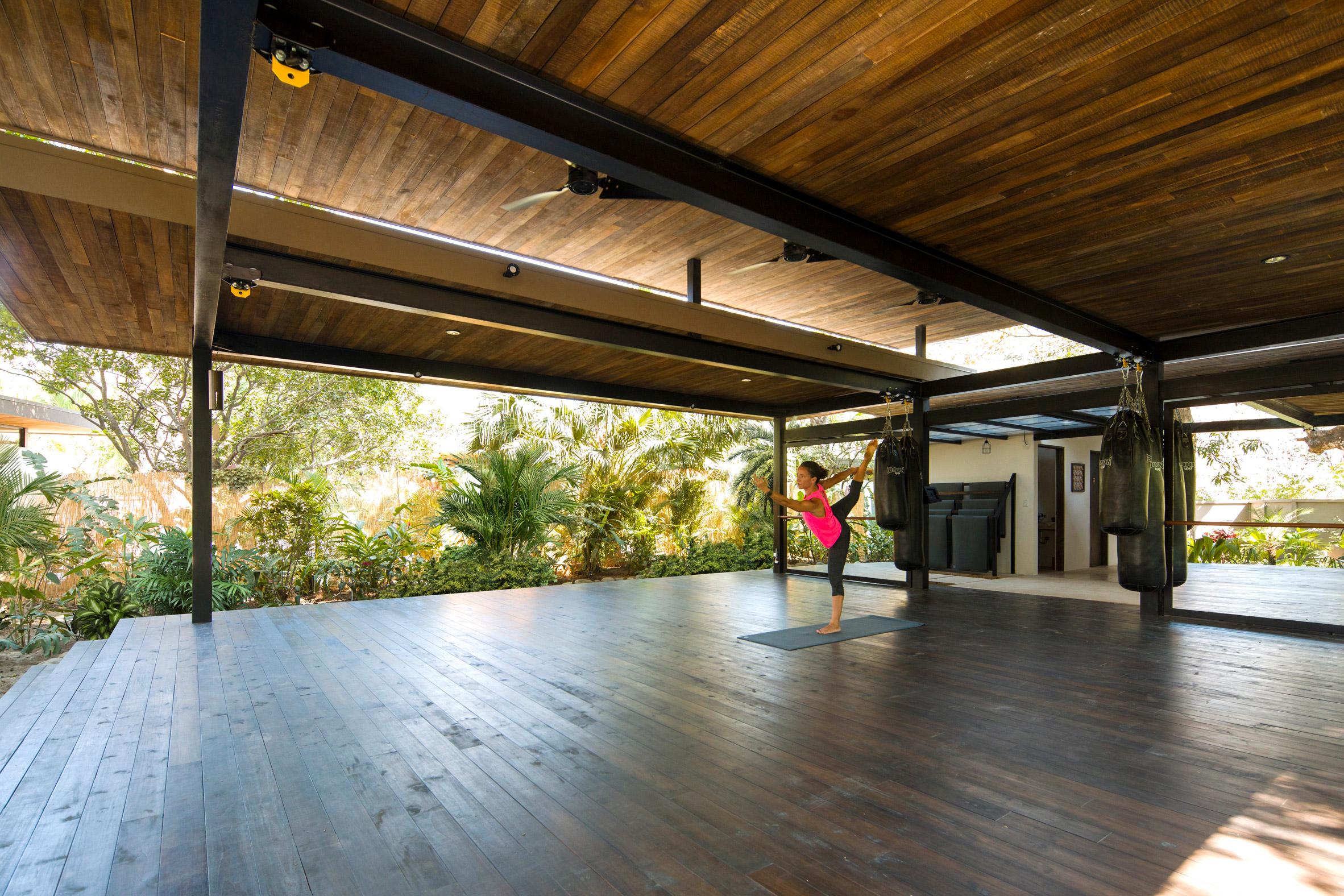 Studio Saxe surrounds Costa Rican yoga retreat with jungle planting