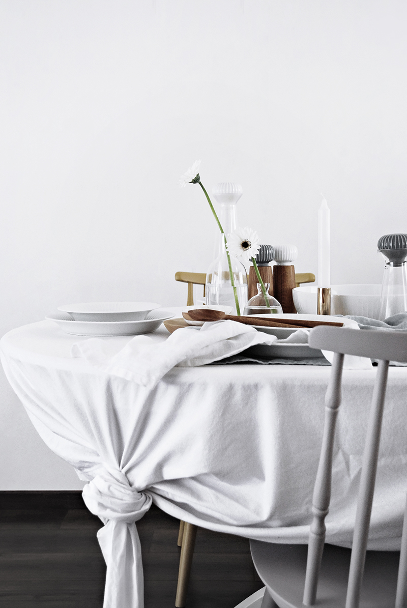 Tablecloth Tip for your Easter Table
