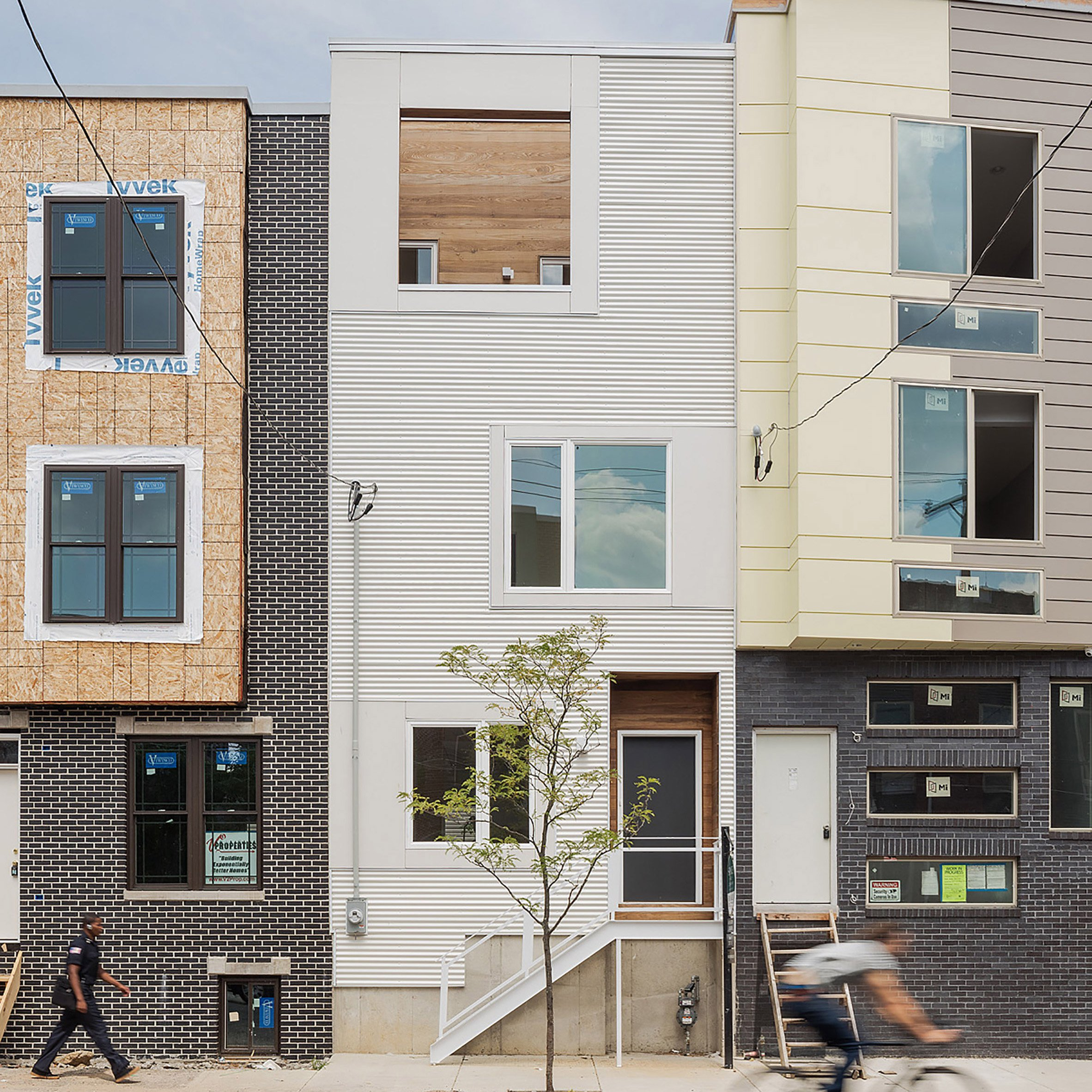 Plywood core runs through centre of Philadelphia townhouse by ISA