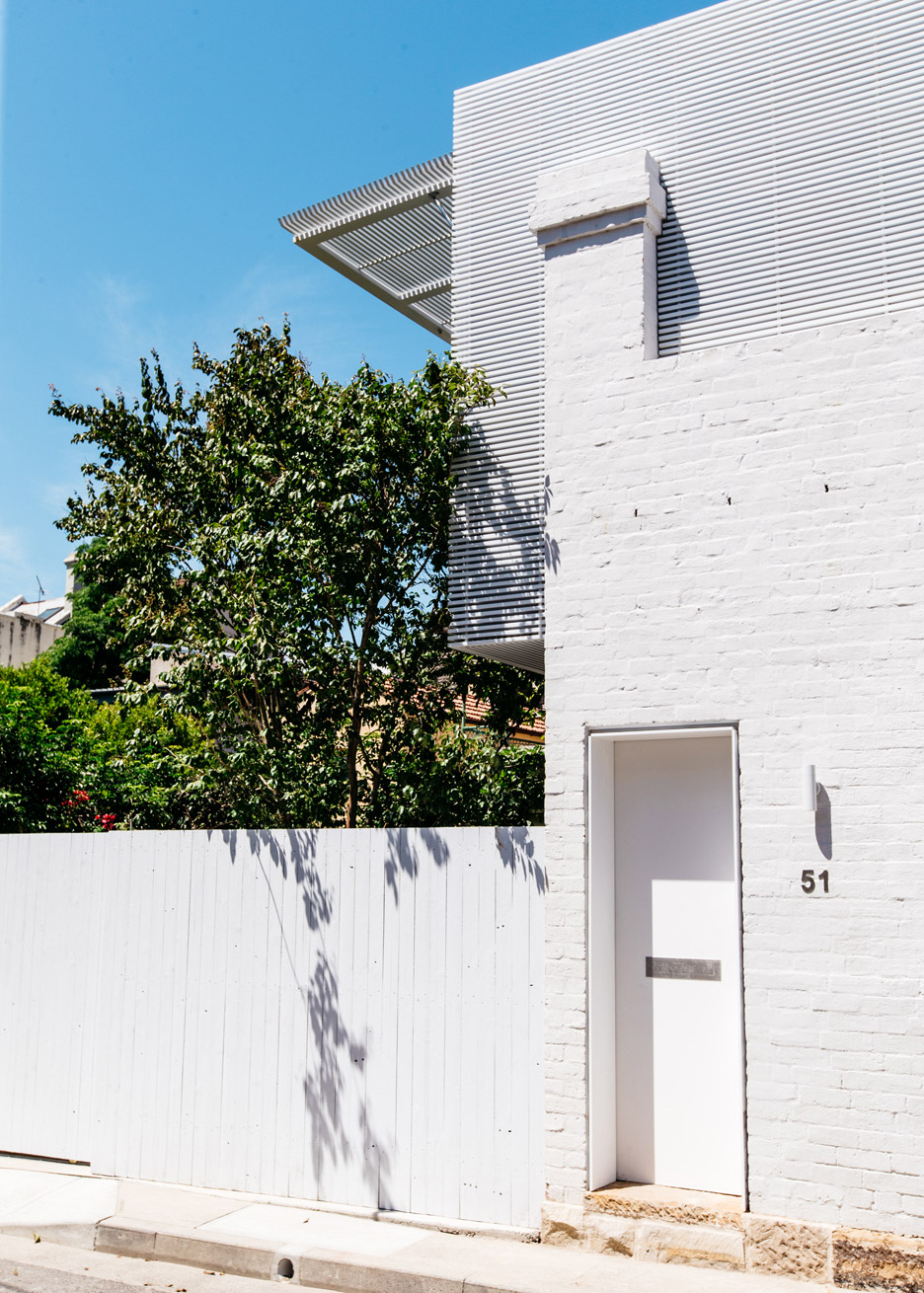 CM Studio updates 19th-century workers' cottage in Sydney with slatted timber extension