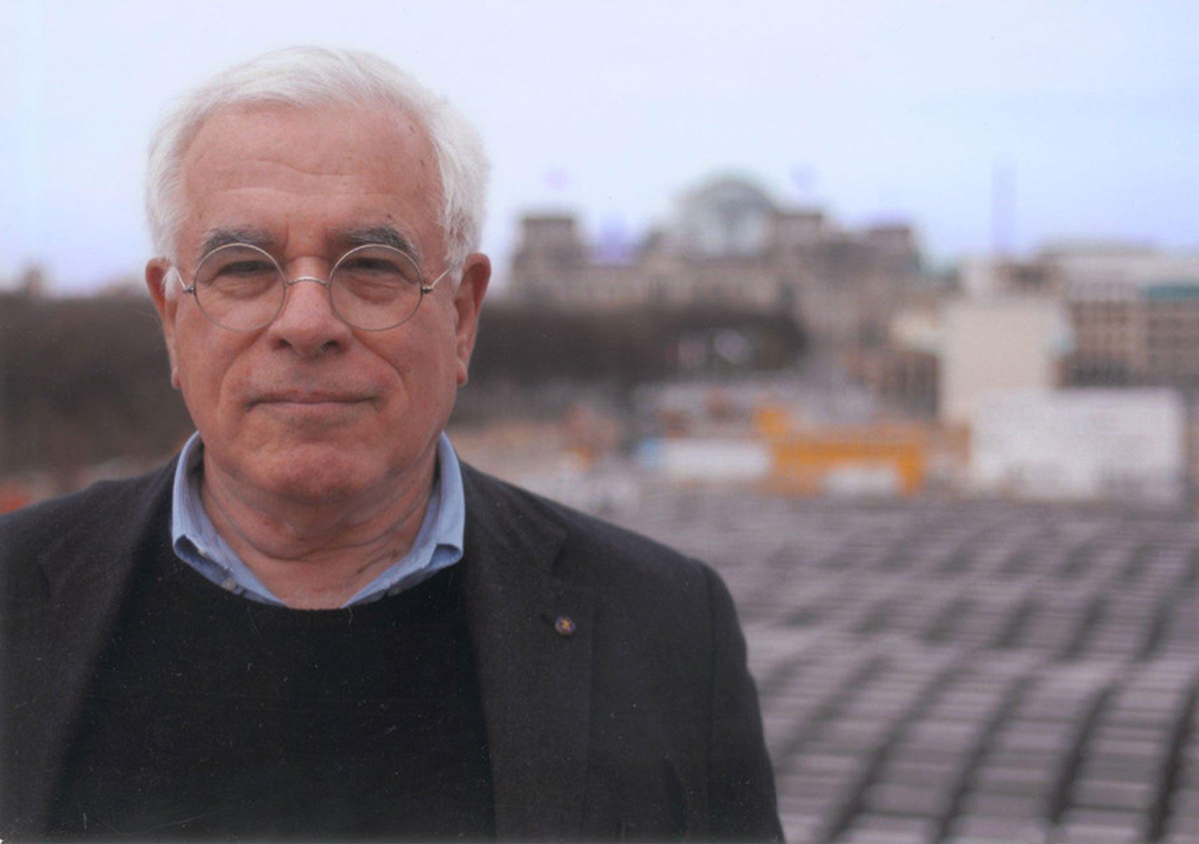 Berlin Holocaust memorial wouldn't be built today, says Peter Eisenman