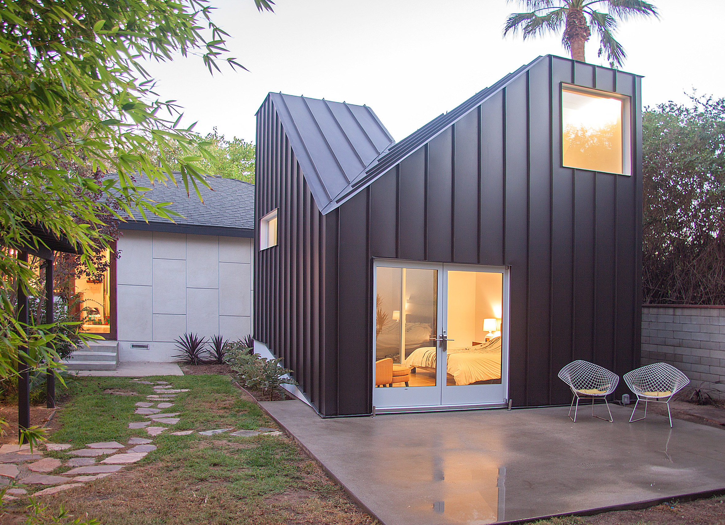 Casey Hughes Architects adds twin-peaked extension to refurbished LA home