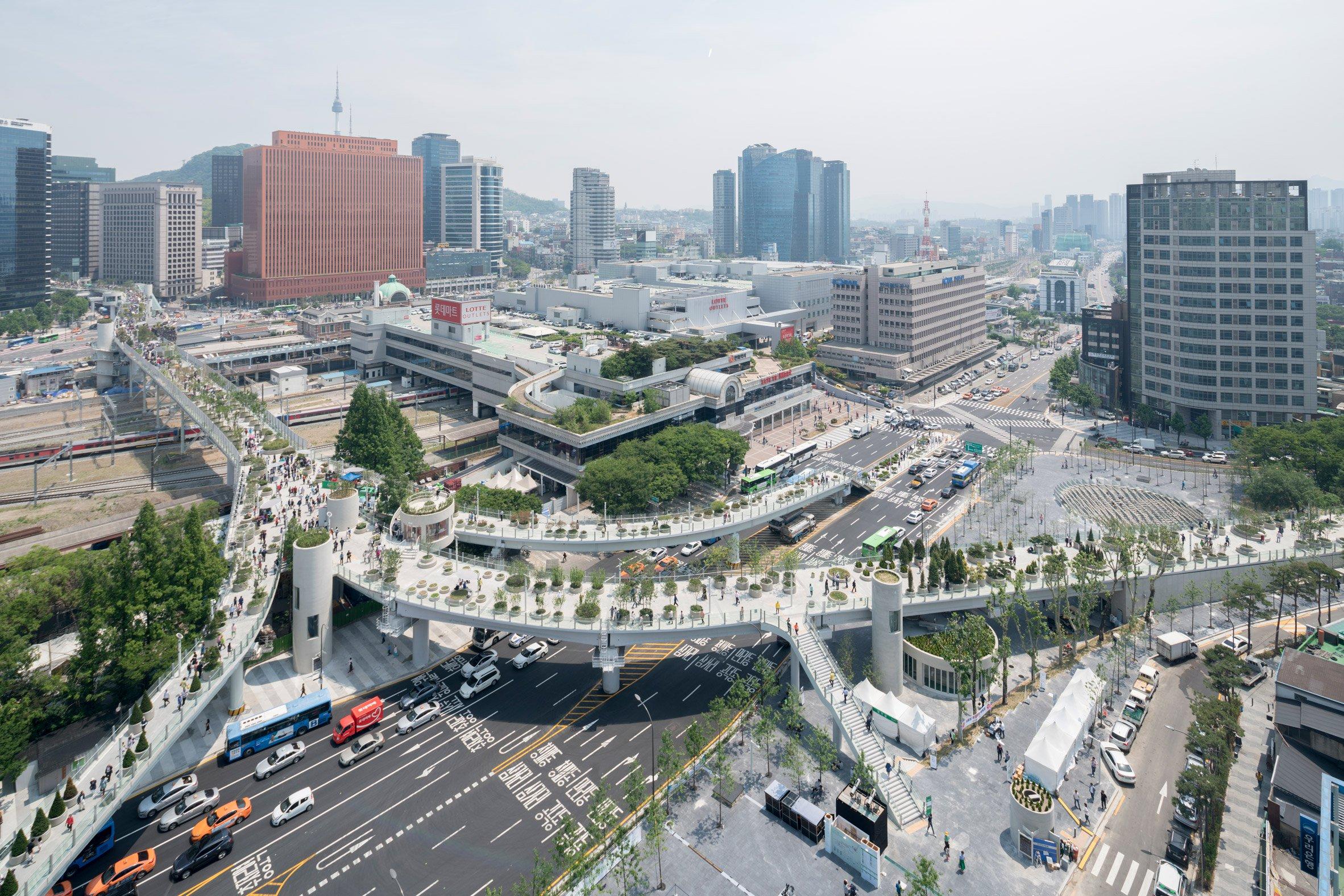 "MVRDV transforms 1970s highway into ""plant village"" in Seoul"