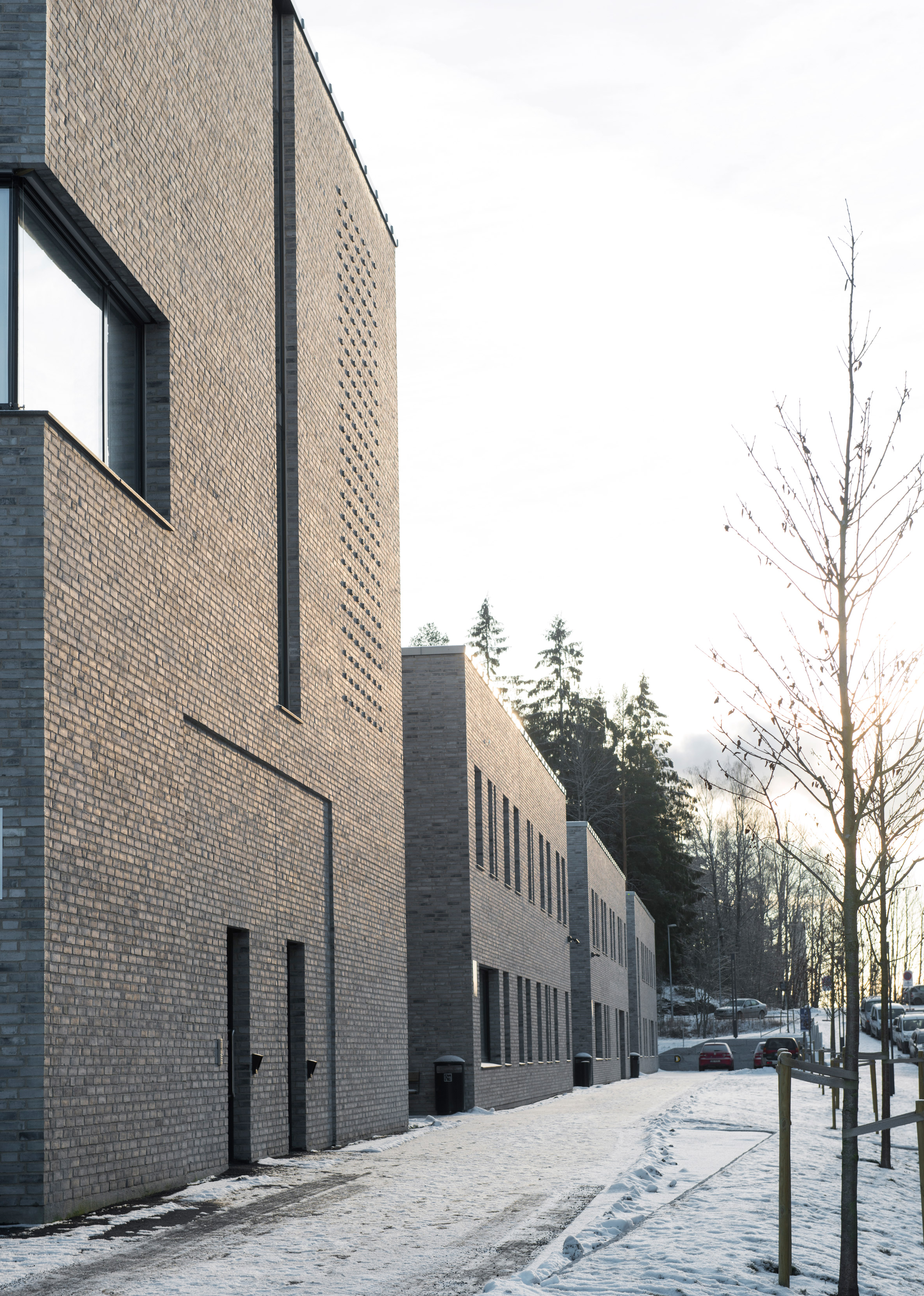 Oslo psychiatric centreby Hille Melbye features planted courtyards and decorativebrickwork